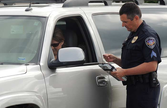 officer safety tips for traffic stops