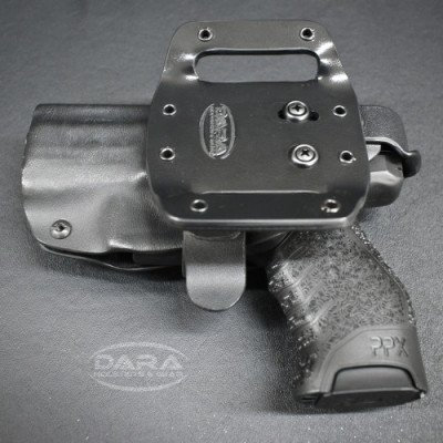 The Dara D3 has a double belt loop, and an adjustable cant.