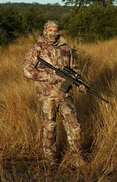 Photo of a hunter using a similar 1-4x24 scope. Photo from Pinterest