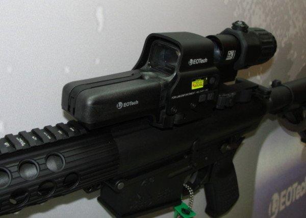 The new EOTech 558 reflex sight (magnifier separate).