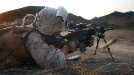 U.S. Marines training with the HK 416 M27 IAR photo by DoD).