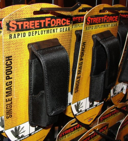Closing the Street Force Gear flaps is easy with the guiding magnet ramp.
