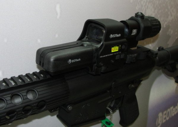 The new EOTech 558 reflex sight (magnifier separate).