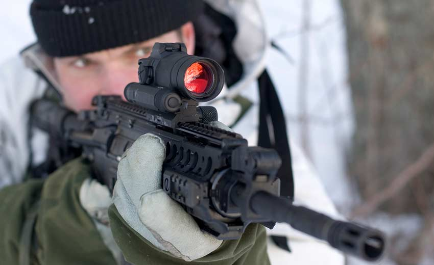 Shooting an AR with am Aimpoint M68CCO